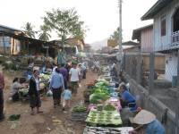 laos_vang_vieng_market.jpg