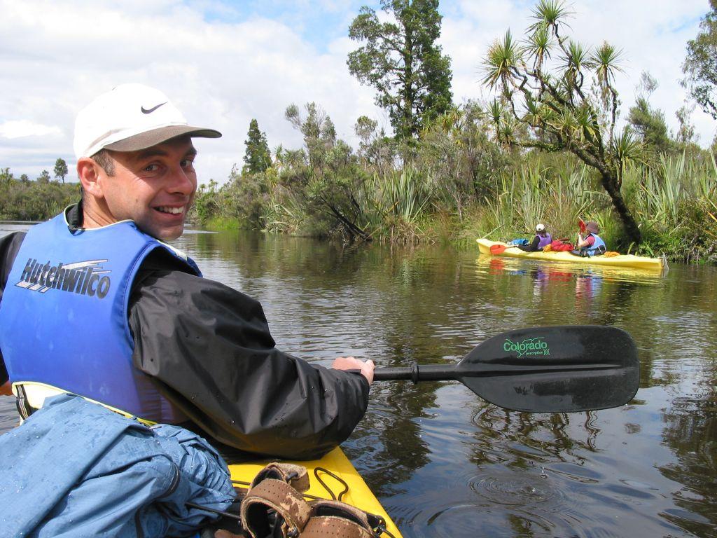 nz_hnz_d06_kayaking_guy.jpg