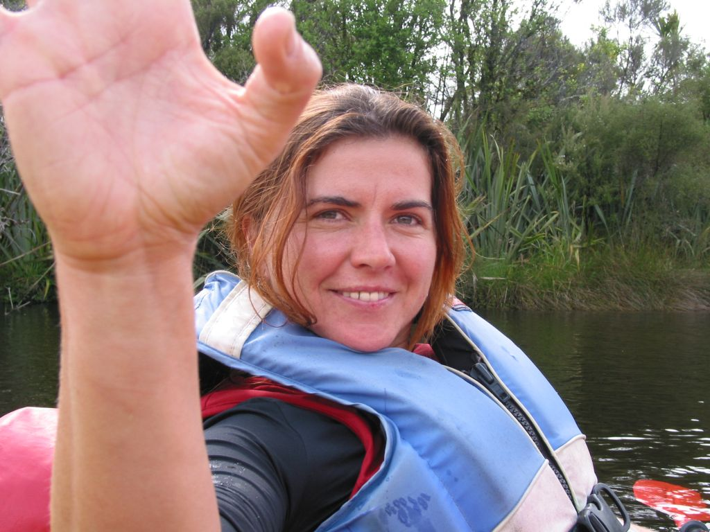 nz_hnz_d06_kayaking_vreni.jpg