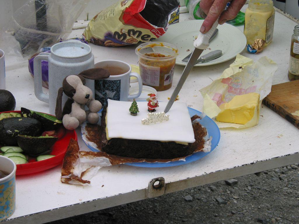 nz_hnz_d10_christmas_cake.jpg