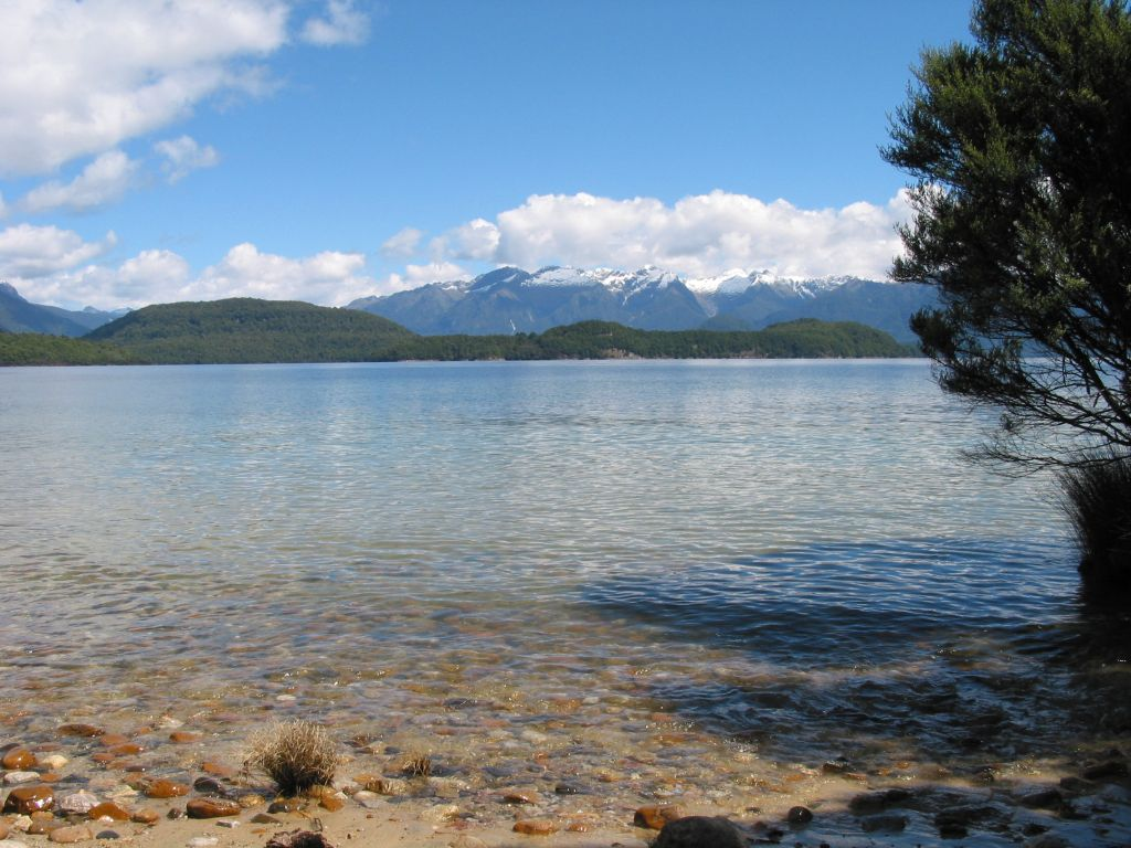 nz_manapouri_view_2.jpg