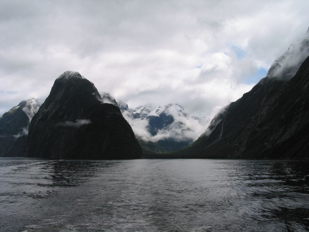 nz_milford_sound_3.jpg